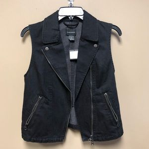 Club Monaco Jackets & Coats - New Club Monaco black denim vest motorcycle Small